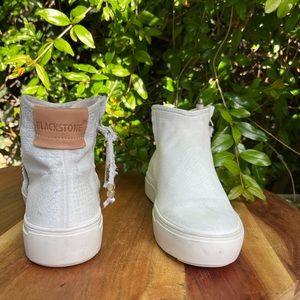 BLACKSTONE🍁🍂white suede leather booties 37